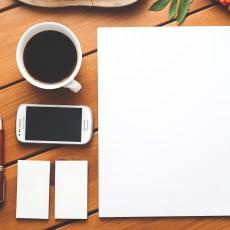 coffee-smartphone-desk-pen